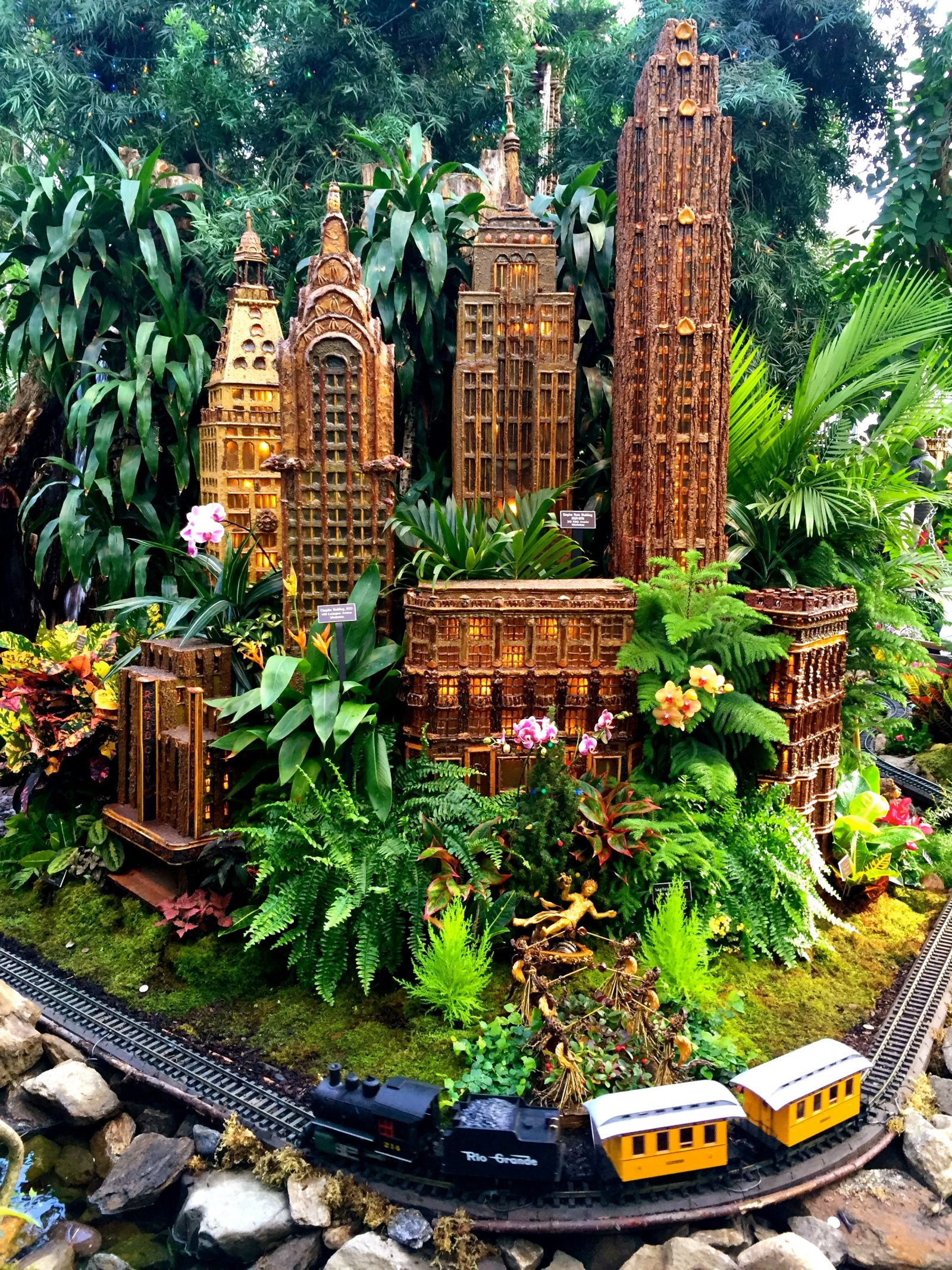 New york botanical garden 39 s holiday train show Botanical garden train show
