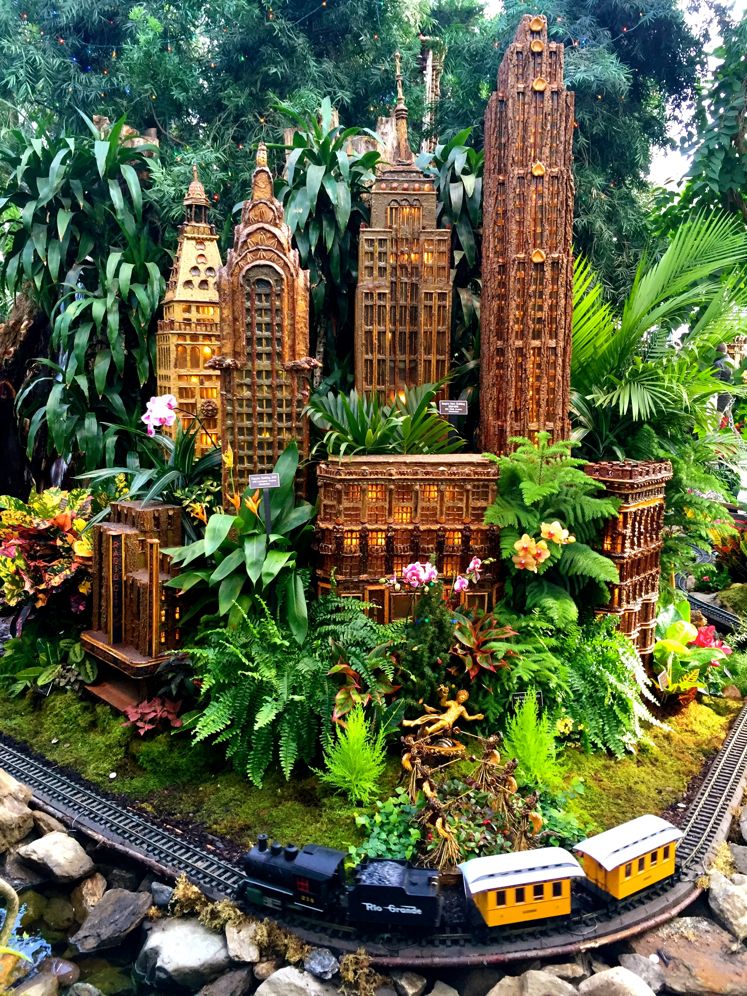 Guide To The Holiday Train Show At The New York Botanical