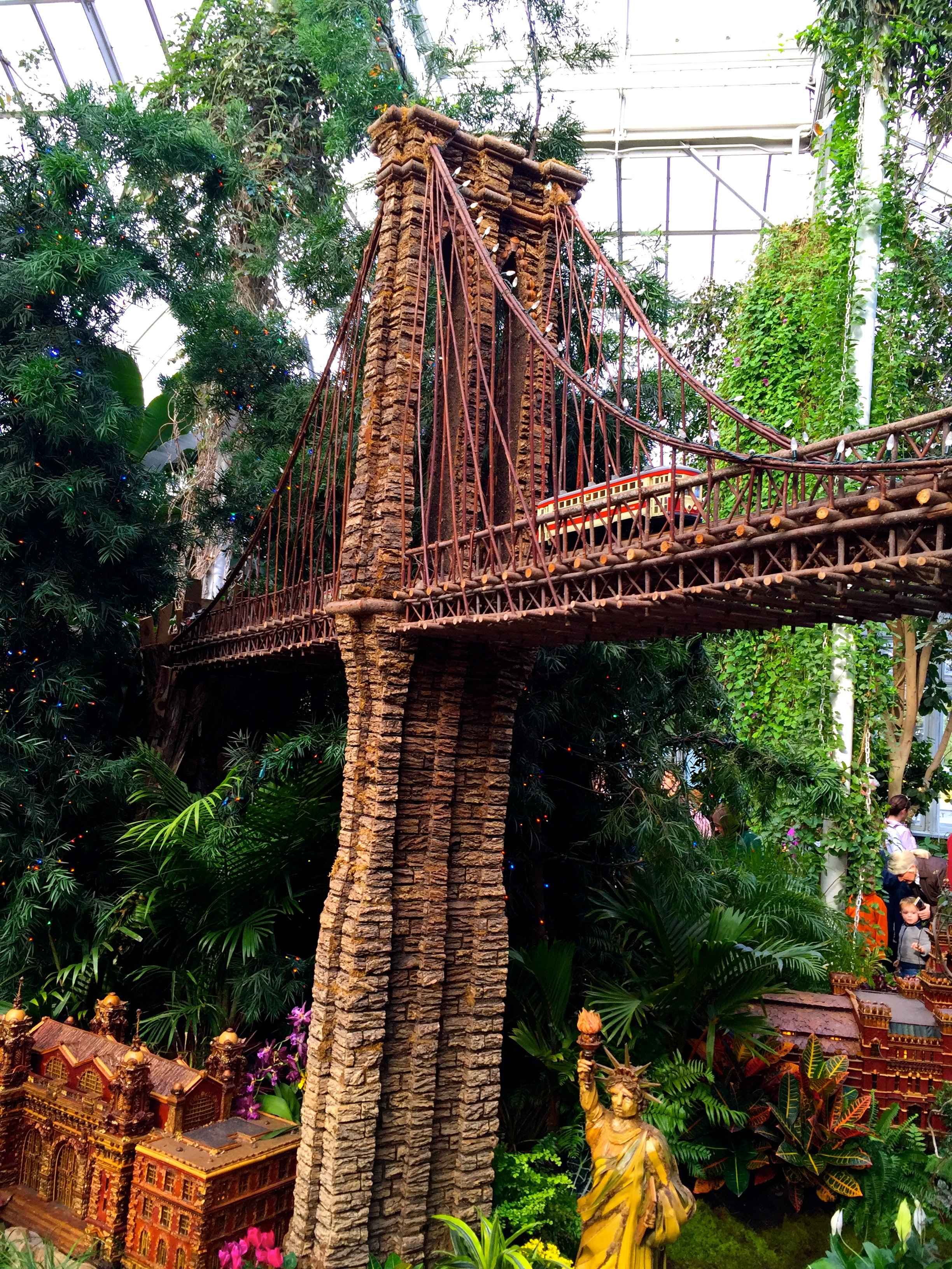 Brooklyn Bridge At The Holiday Train Show At The New York Botanical Garden  ...