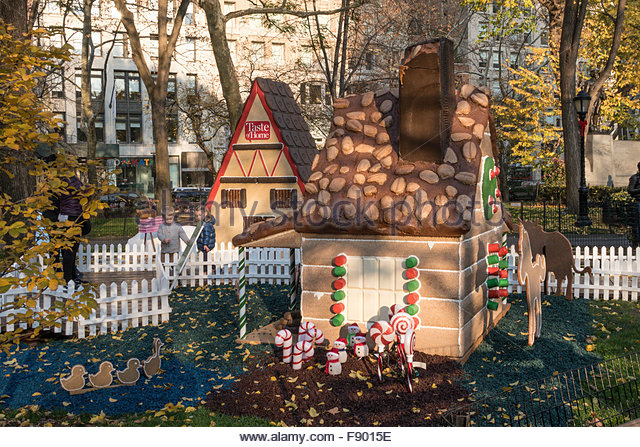 gingerbread-blvd-in-madison-square-park-nyc-f9015e